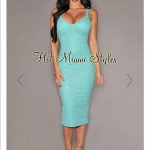 Hot Miami Styles Mint Textured Midi Dress Mediun